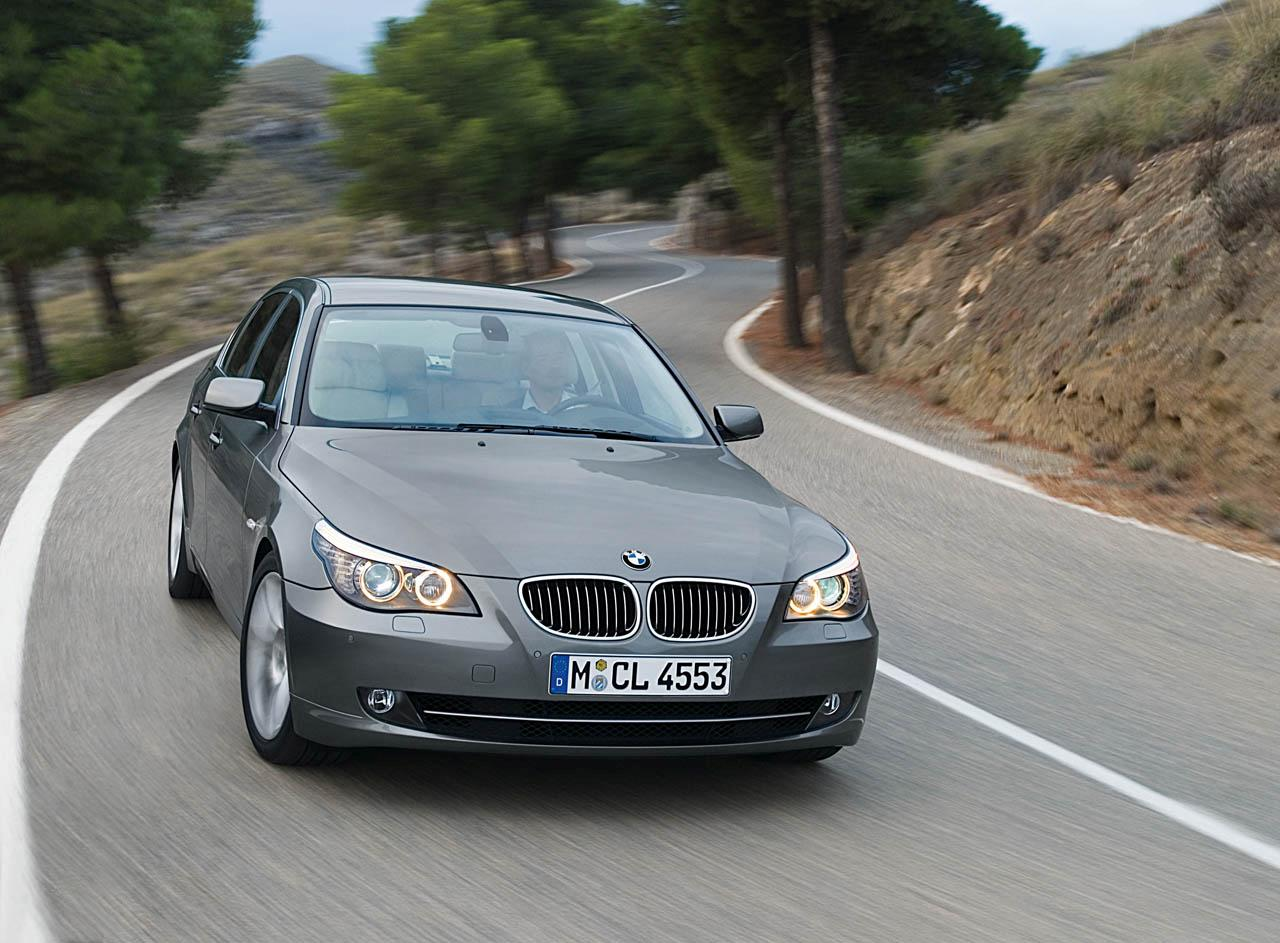 The BMW 520i performs a