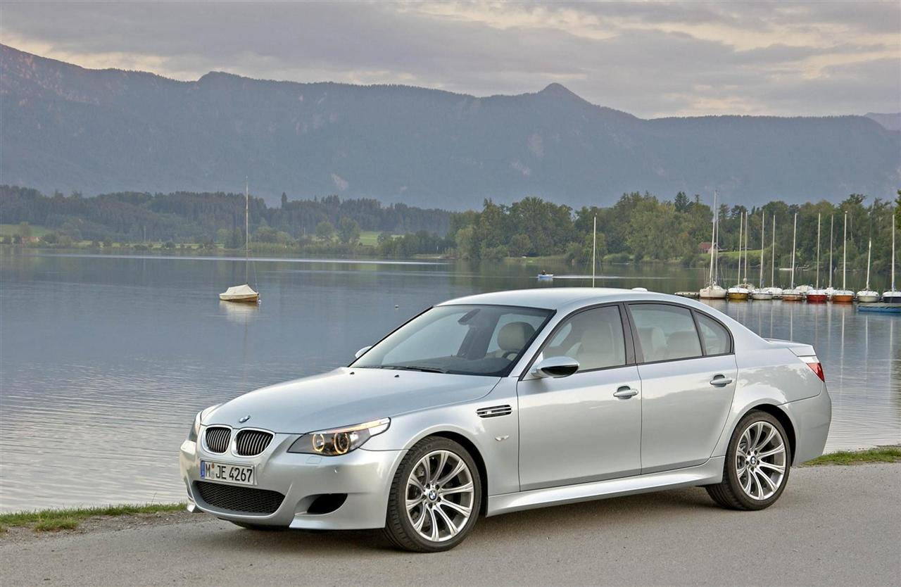 bmw heaven specification database specifications for bmw m5 e60 sedan 2005 2010. Black Bedroom Furniture Sets. Home Design Ideas