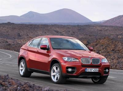 x6_e71_front_side_standing
