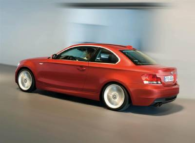 1_e82_rear_side_blur