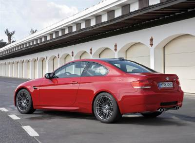 m3_e92_red_side_garage